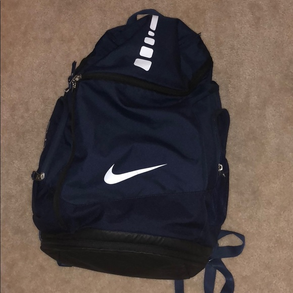 a2345ec412c Nike elite bag. M 5b5d099904e33d33d26d34fa